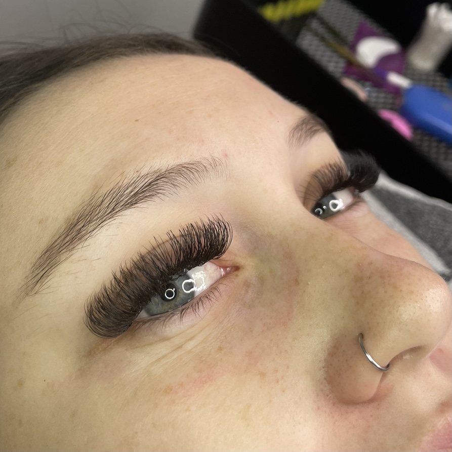 Eyelash Extensions by Brodie at Collagen Clinique Beauty Salon Morayfield